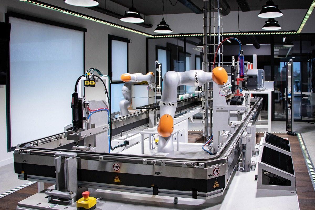Le CONNEX'LAB : une usine connectée de 1300 m2 à votre disposition pour des tests grandeur nature